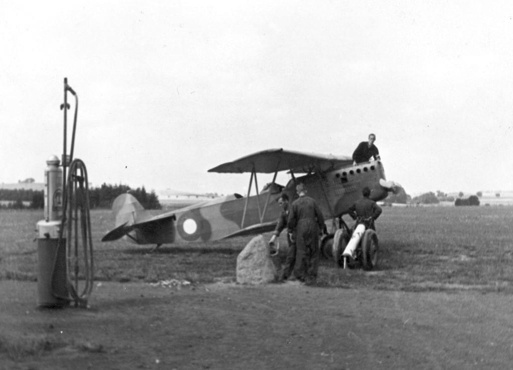 O-62 er fotograferet ved tankanlægget lige nord for Hangar 5